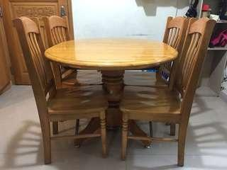 Table and 4 chairs (Solid Wood)