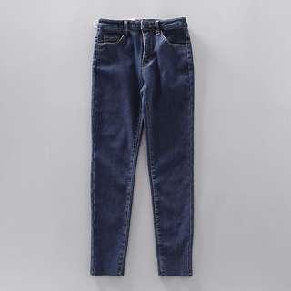 🚚 全新個性潮流品牌.深藍色內刷毛保暖合身煙管牛仔褲