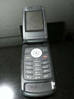 Antique Samsung flip phone (Not working)