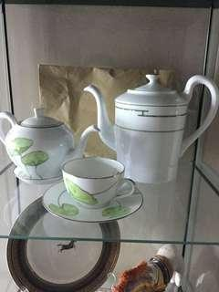 HERMES TEAPOT with CUP