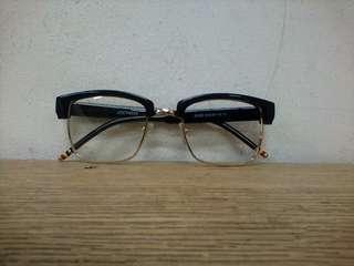 Frame kacamata model jadul