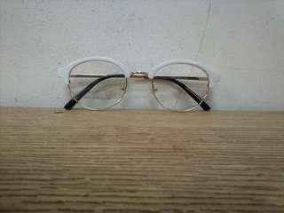 Frame kacamata model vintage