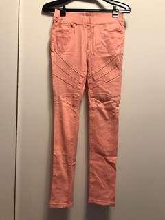 淺橘色內搭褲