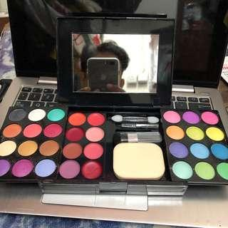 Make up colour box