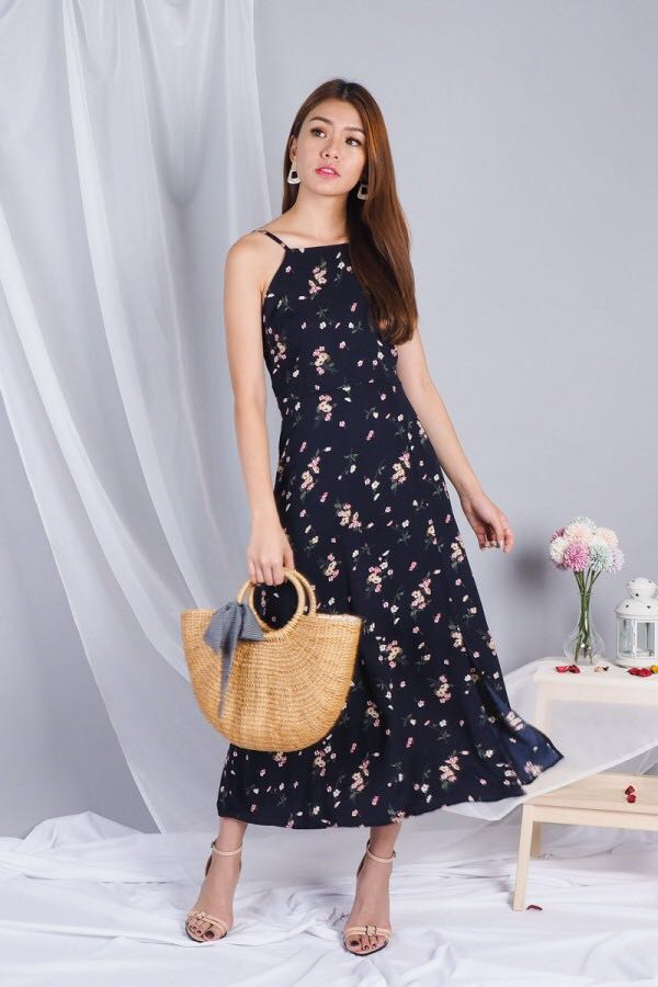 9872112c899 3INUTE Esmay Halter Slit Floral Maxi Dress in Navy (XS)
