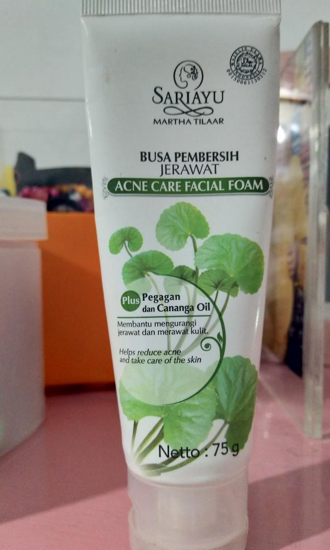 Busa Pembersih Jerawat (acne care facial foam) sariayu