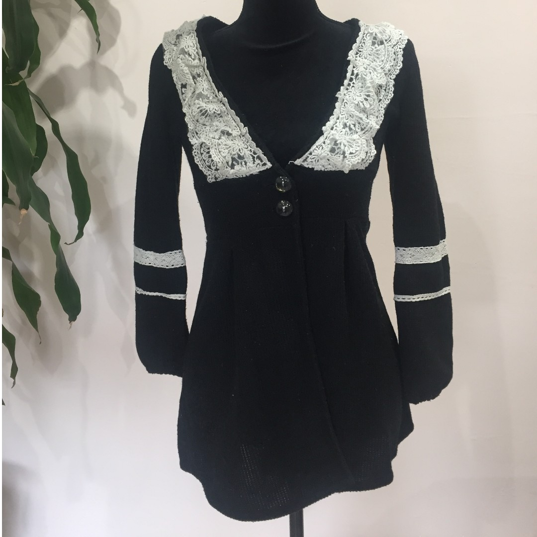 CUTE Japanese style black tunic with lace (FROM JAPAN)