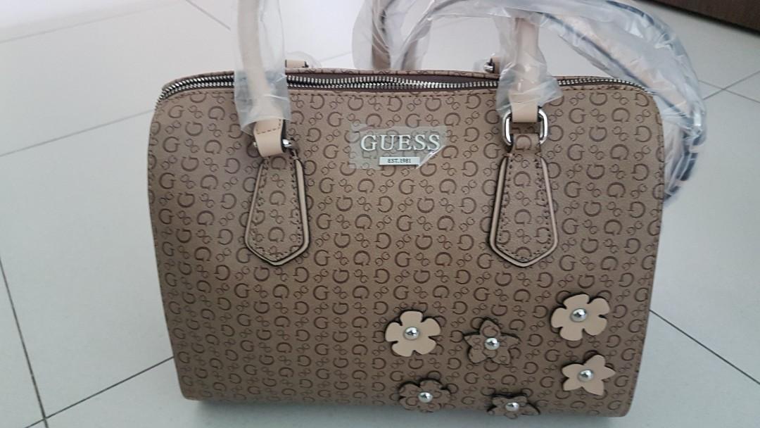 04a11d950 GUESS WOMEN HANDBAG, Women's Fashion, Bags & Wallets, Handbags on ...