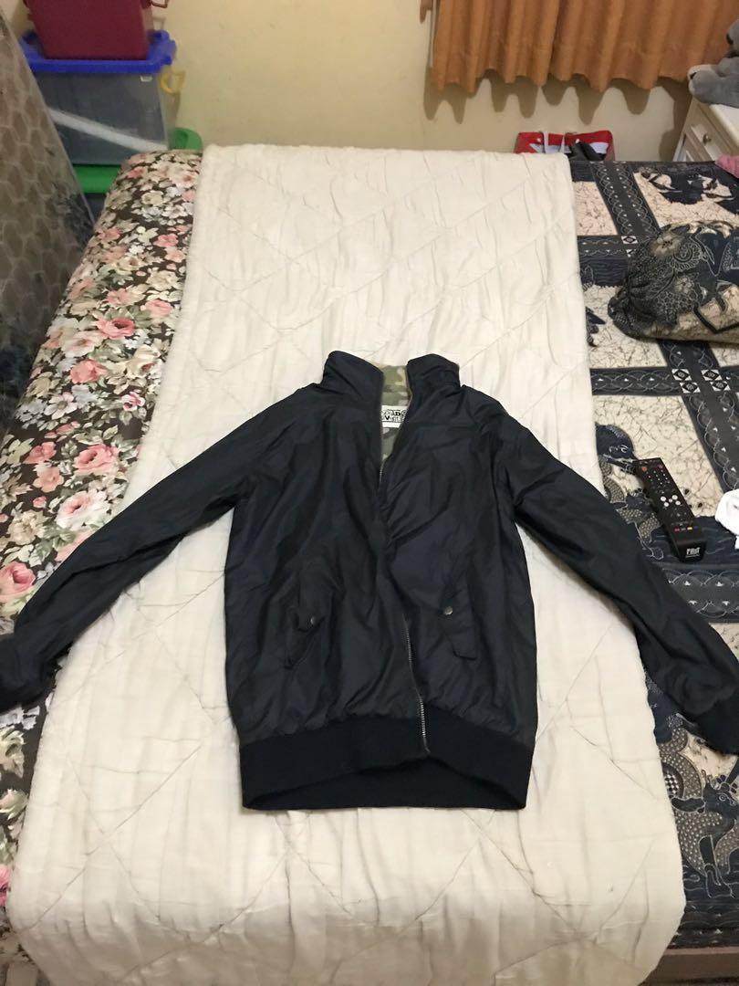 jaket Paracute hitam&army(bolakbalik)