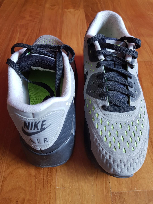 ce3e41e5fc Nike, Men's Fashion, Footwear, Sneakers on Carousell