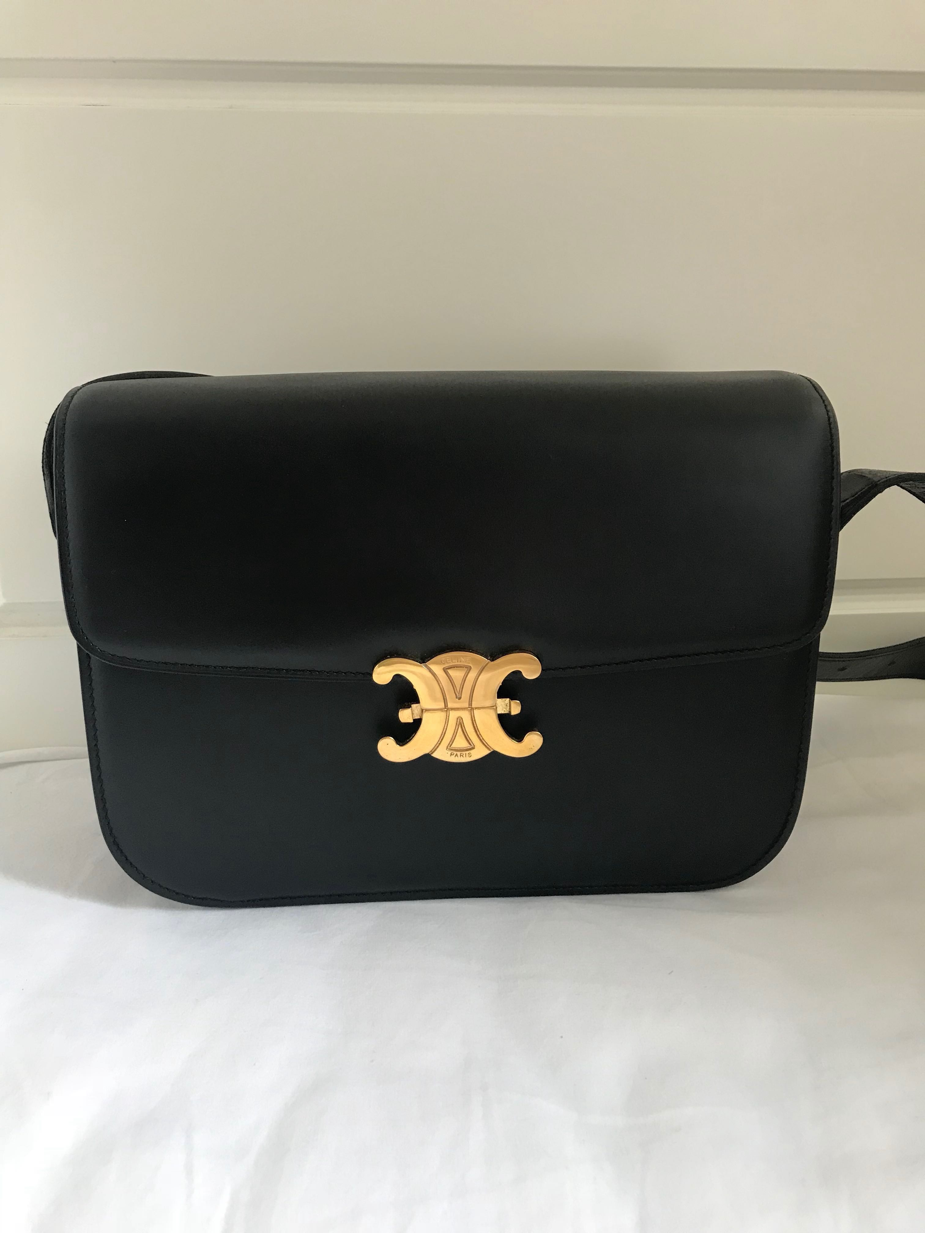 New Wave Auto >> Rare Celine Vintage TRIOMPHE box bag 凱旋門扣, Luxury, Bags & Wallets on Carousell