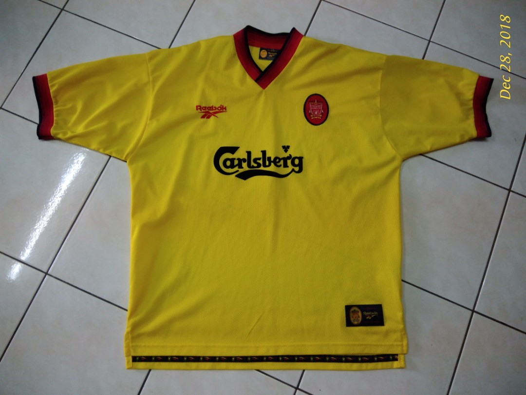 brand new 2a1e1 67072 Reebok liverpool fc jersey yellow