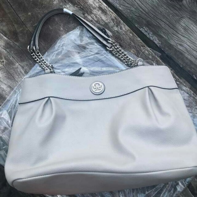 19be46f736 FREE SHIPPING Til march 1 only Repriced!!! Original Nine West Bag ...