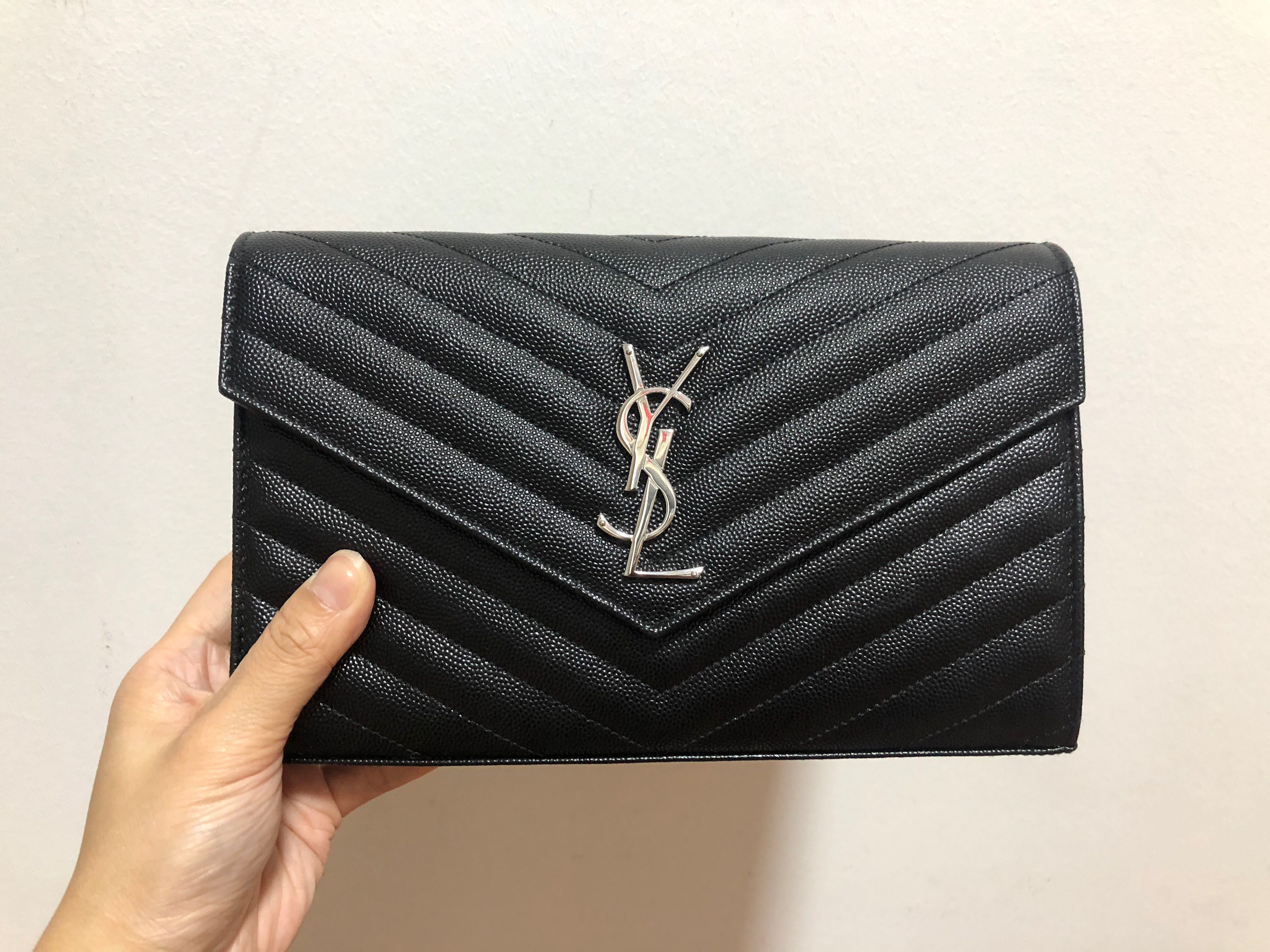 a7cc12ee22bd YSL classic wallet on chain (large)