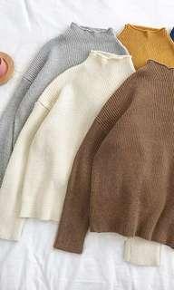 🚚 百搭半高領寬鬆針織毛衣