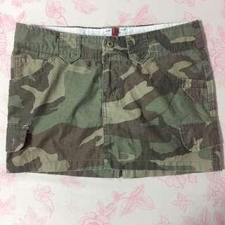 Herbench camouflage skirt