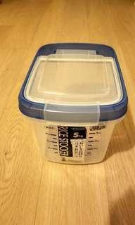 米缸 rice container 5kg (約一袋米)
