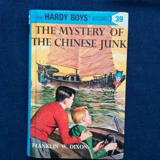 THE MYSTERY OF THE CHINESE JUNK by Franklin W. Dixon