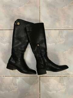 Forever 21 Leather-like boots