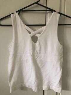 Valleygirl white top never worn s