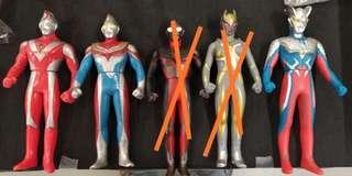 Bandai UHS 17 cm Ultraman咸旦鹹蛋超人軟膠新舊三隻