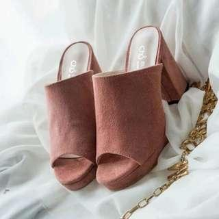 🔥🔥Ready stock🔥🔥Chic Suede Block Heels Mules