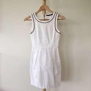 ZARA White Dress with Neckline Detail and Exposed Zipper and Pockets / XS / AU 6 / Corporate Dress / Work Dress