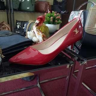Sepatu Heels LV merah cantik bingitzzz