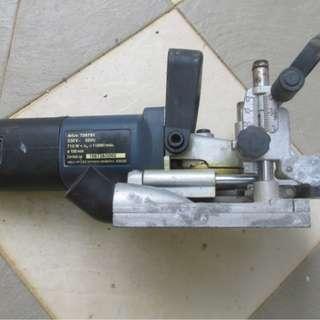 Carpenters biscuit joiner machine