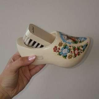 Holland brush in the Shoe