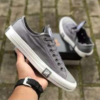 Sepatu CONVERS Undefeated  New import