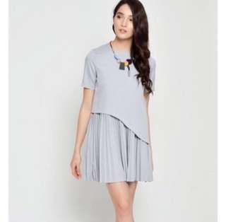 🚚 BN LAB Maelyn Pleated Layered Dress in Grey size M