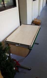Moll Champion Height-adjustable Study Desk