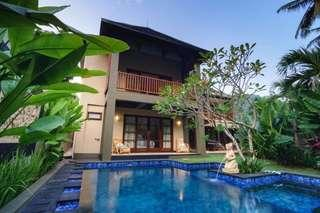 Home for sell and rent ,4 bedrooms ,Di lombok
