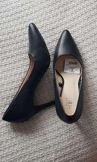 Black leather pump heels Stilettos formal fashion work prada kmart brand
