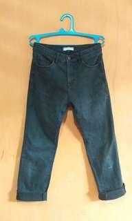 Celana jeans Uniqlo hitam original
