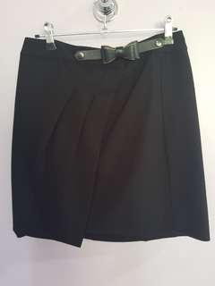 Skirt with bow Detail