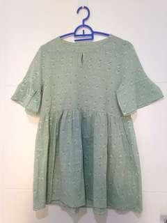 Baju wanita warna hijau