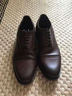 Brown business shoes size 43