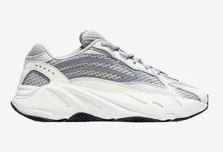 YEEZY 700 static (UK8.5)