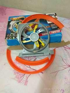 NOT COMPLETE track turbine twister