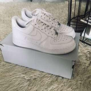 Nike Air Force 1 Low Wmns White on White