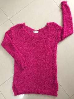 桃紅色薄身毛衫