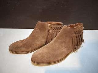🚚 全新 法國André麂皮流蘇 短靴 裸靴 38碼  淺咖啡色 葡萄牙製造