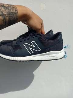New Balance 005 Black