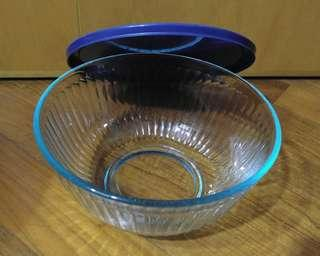 Pyrex glassware with lid