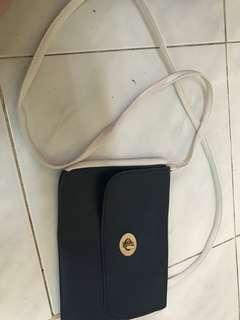 Sazaby slingbag