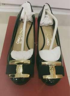 Ferragamo Ninna 4cm Size 5 Black (Wore once only)
