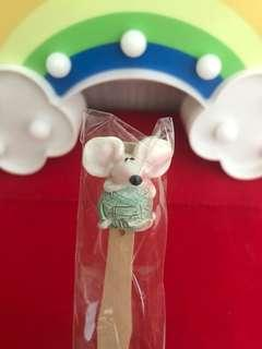 Handmade mouse bookmark