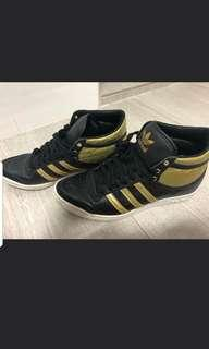 Adidas Sneakers/boots